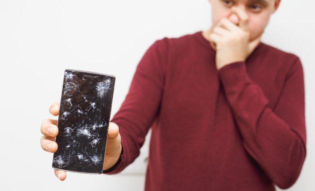 Cara Menyelamatkan Data Saat Layar Smartphone Pecah atau Mati